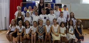 Zakończenia roku w szkołach podstawowych (FOTO)